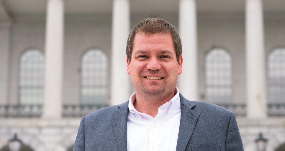 Erik Gunderson Headshot